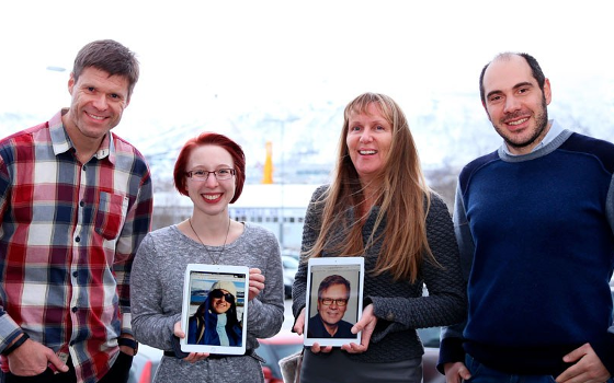 The research team, from left: Prof. Eirik Årsand, PhD student Meghan Bradway, MD Anne Grethe Olsen and Dr. Konstantinos Antypas. Pictured on tablets: Dr. Elia Gabarron and Prof. Gunnar Hartvigsen. Foto: Jarl-Stian Olsen.